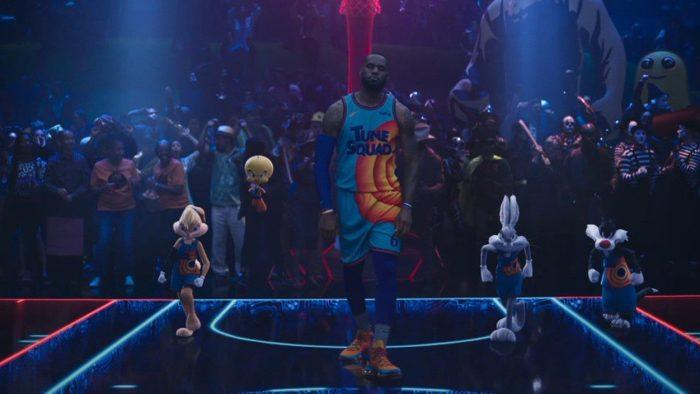 Il lancio delle Nike LeBron 19 in Space Jam