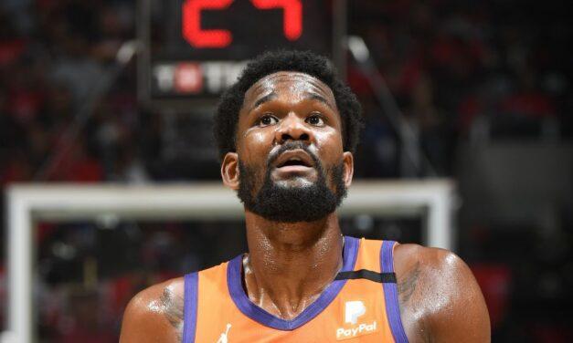 I Suns hanno sbagliato a non estendere DeAndre Ayton?